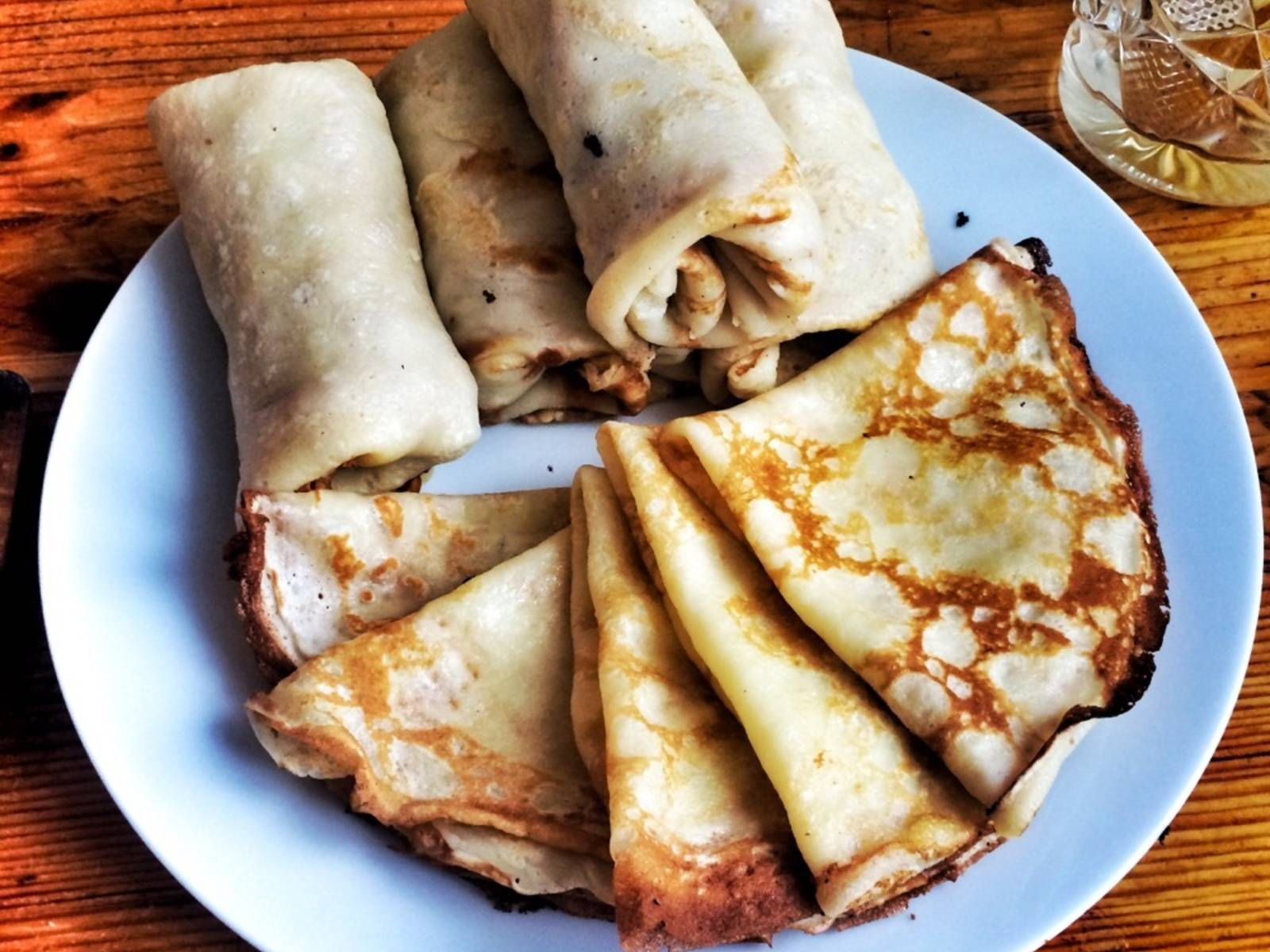 Put some of the filling inside each pancake and serve with jam or sour cream. Yaaaamy!