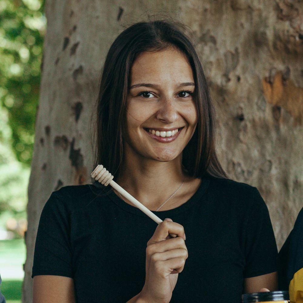 Image of Alica von bee.neo