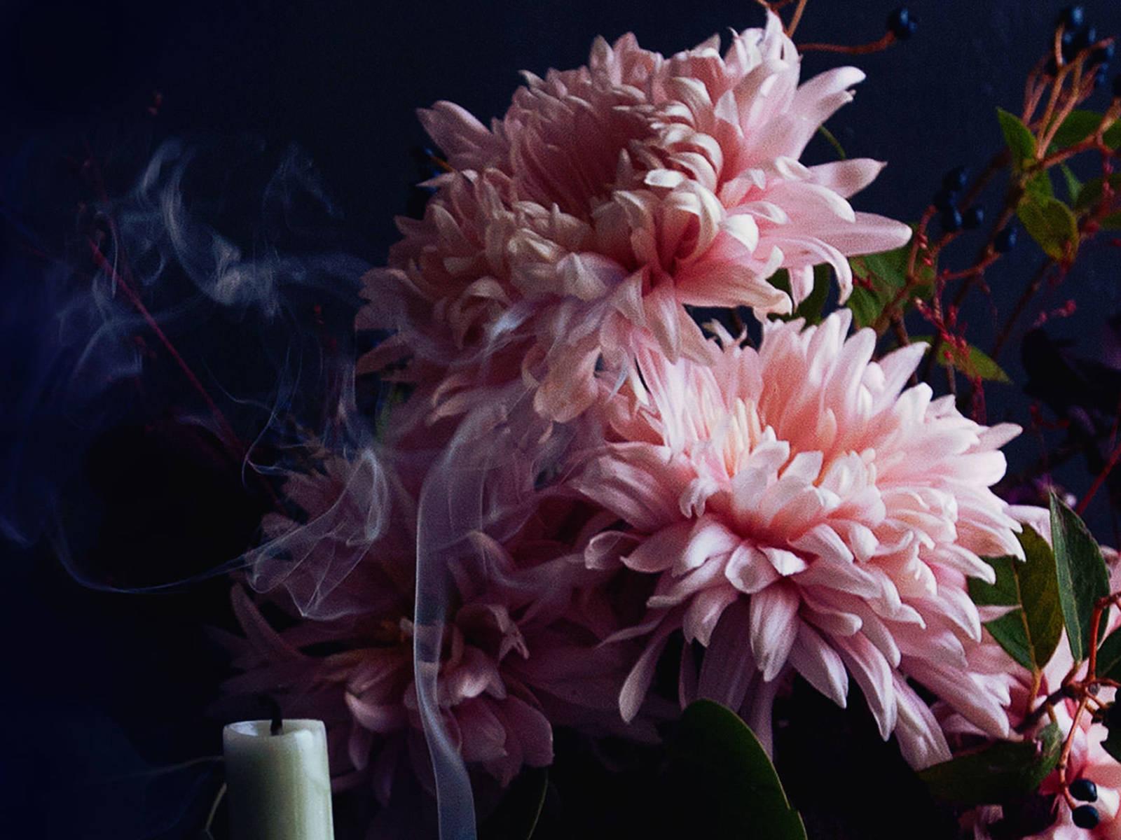 Romantisches Blumenarrangement