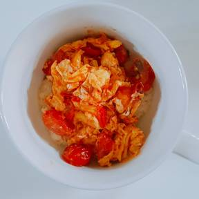 Tomaten und Ei