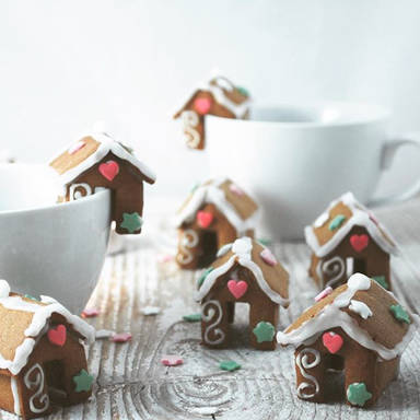 Gingerbread tea houses