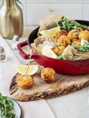 Polpette di Zucchine (Fried Italian zucchini and mozzarella balls)