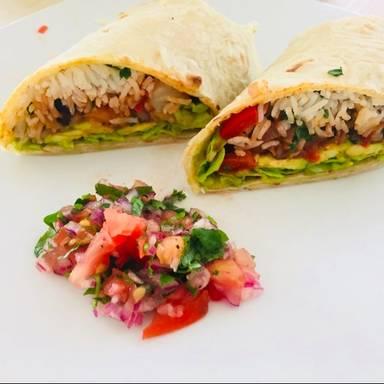 Würzige Burritos mit Avocado