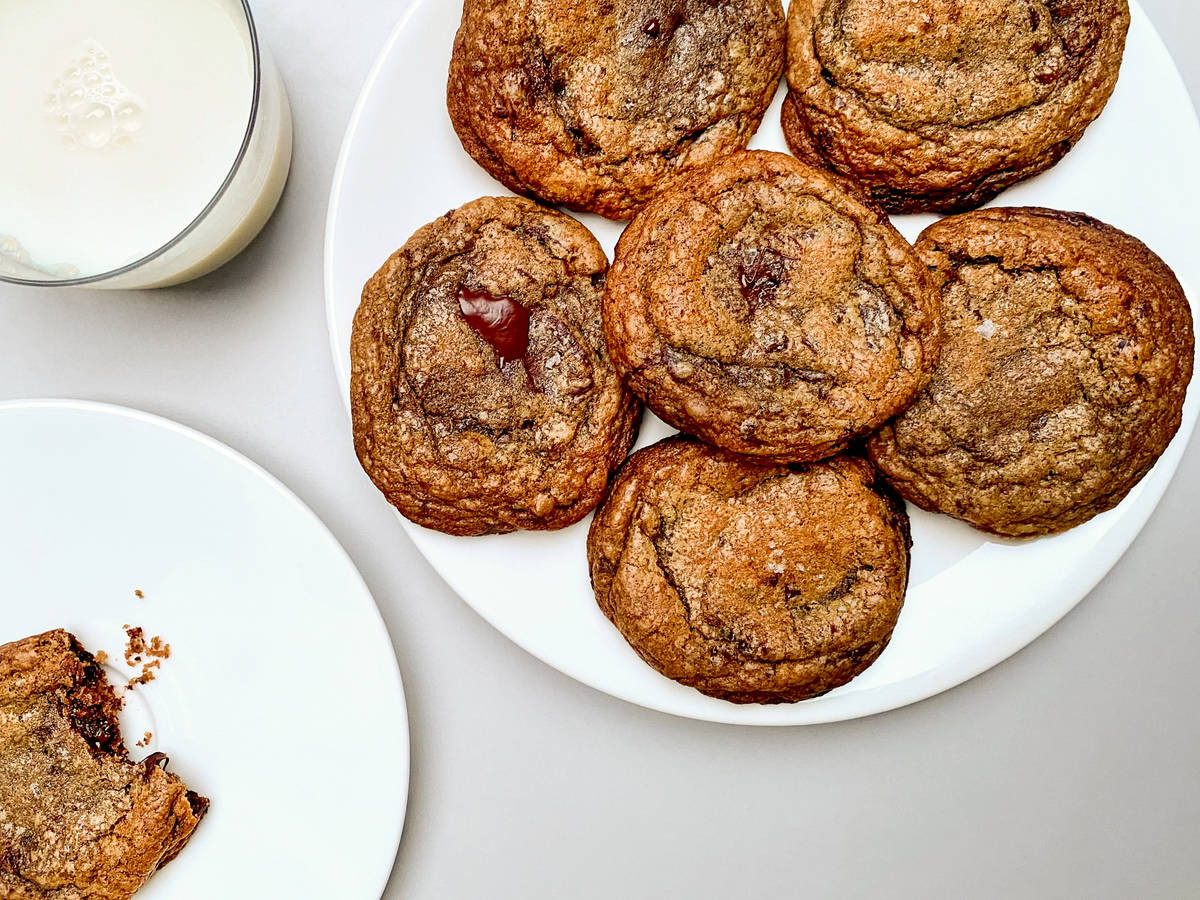Crisp and chewy chocolate chip cookies
