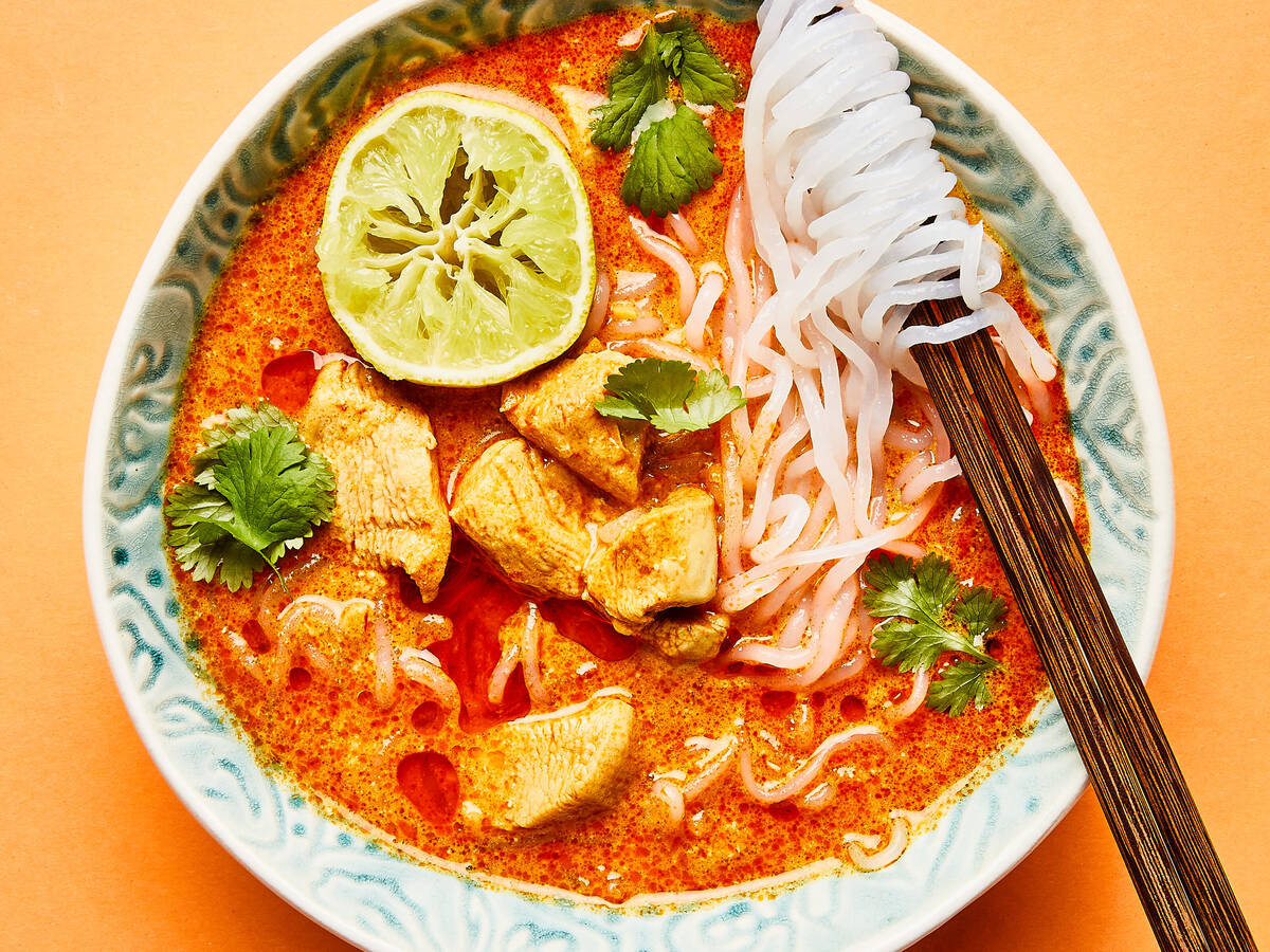 Red curry chicken soup with shirataki noodles