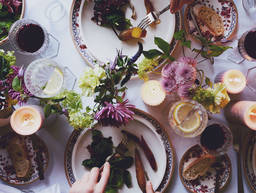The Beginner's Guide to Dressing A Dinner Table