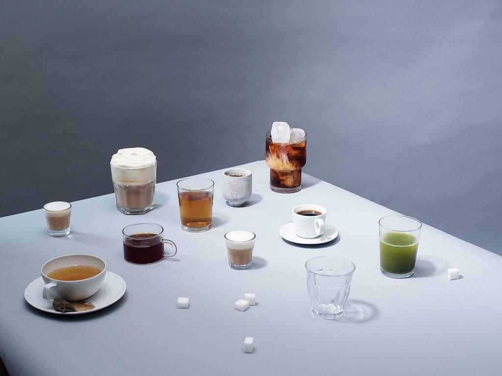 哪种饮品含有最多咖啡因——咖啡、茶还是浓缩咖啡?
