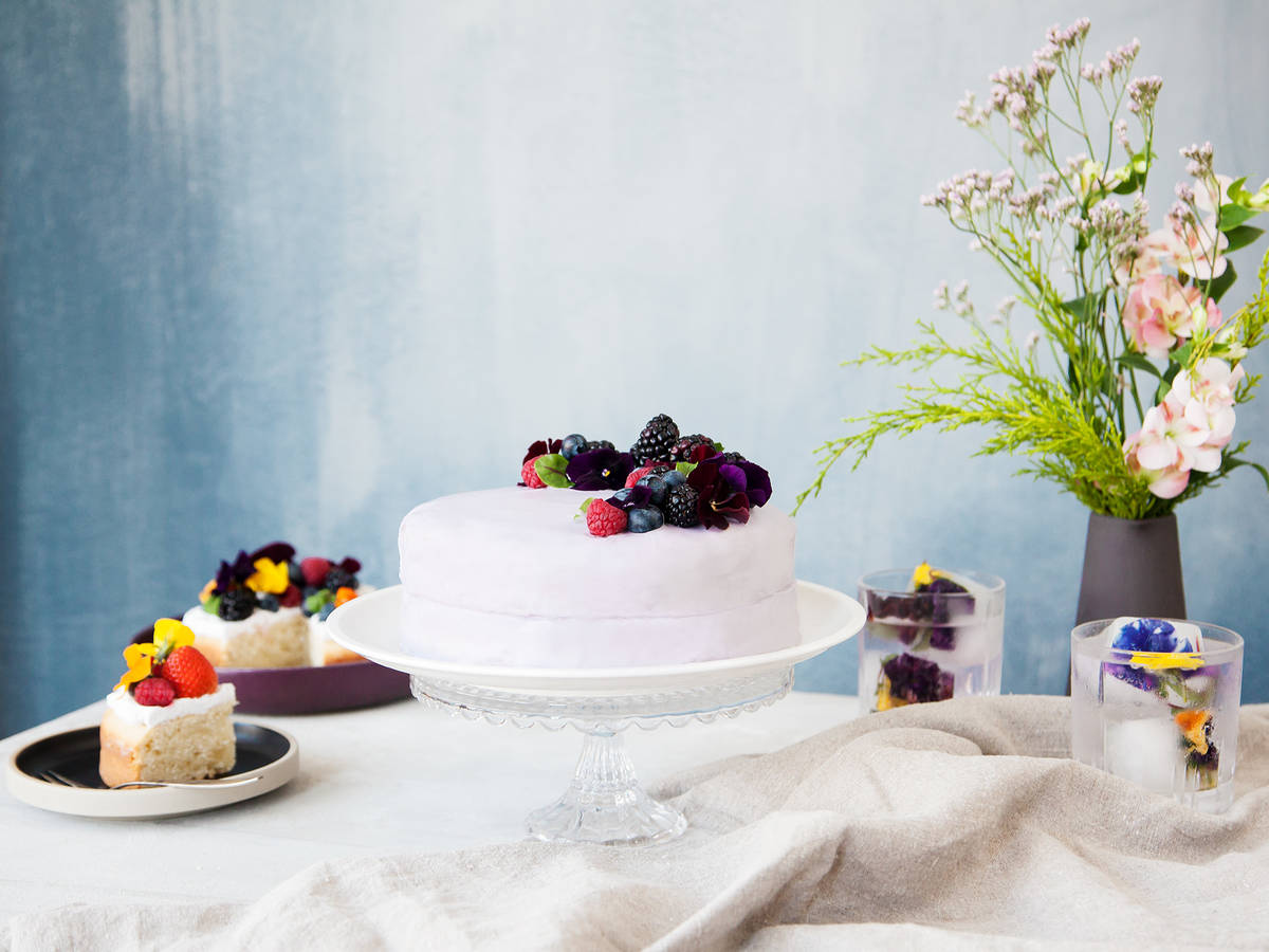 27 Types of Edible Flowers and How to Use Them