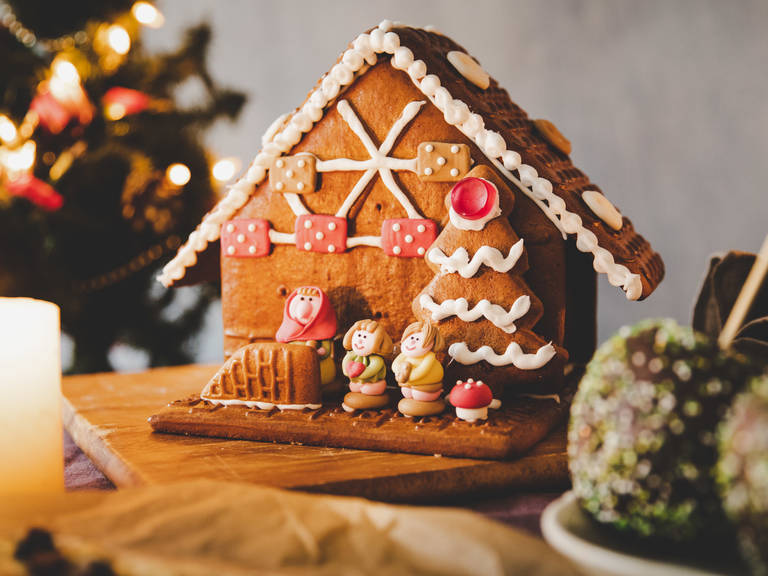 How To Throw A Christmas Market Themed Party At Home Stories Kitchen Stories