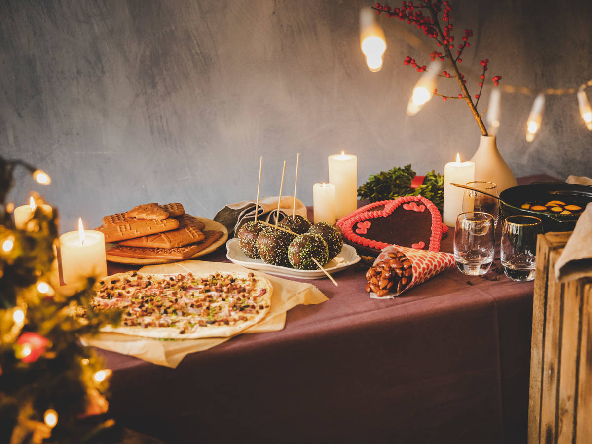 How to Throw a Christmas Market Themed Party at Home