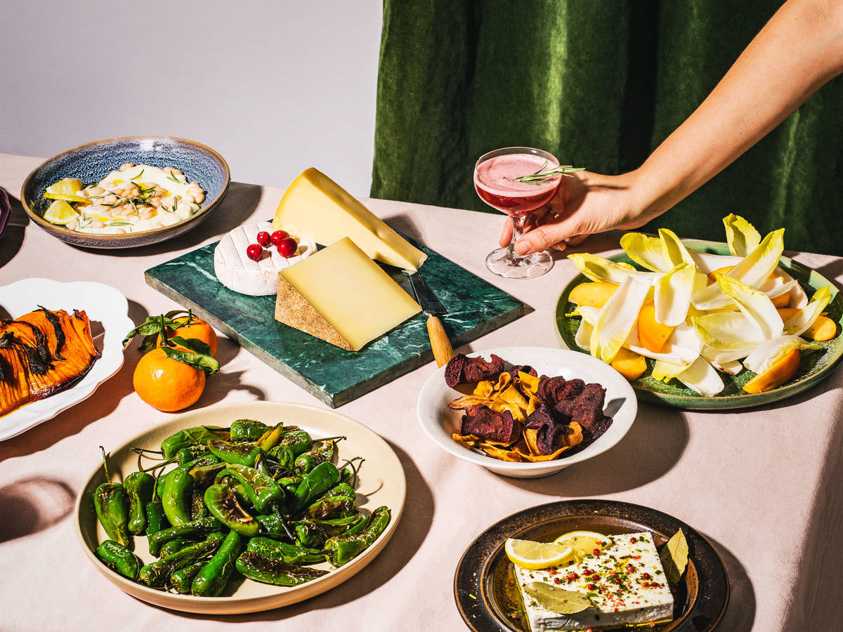 How to Throw a No-Stress, Casual Dinner Party