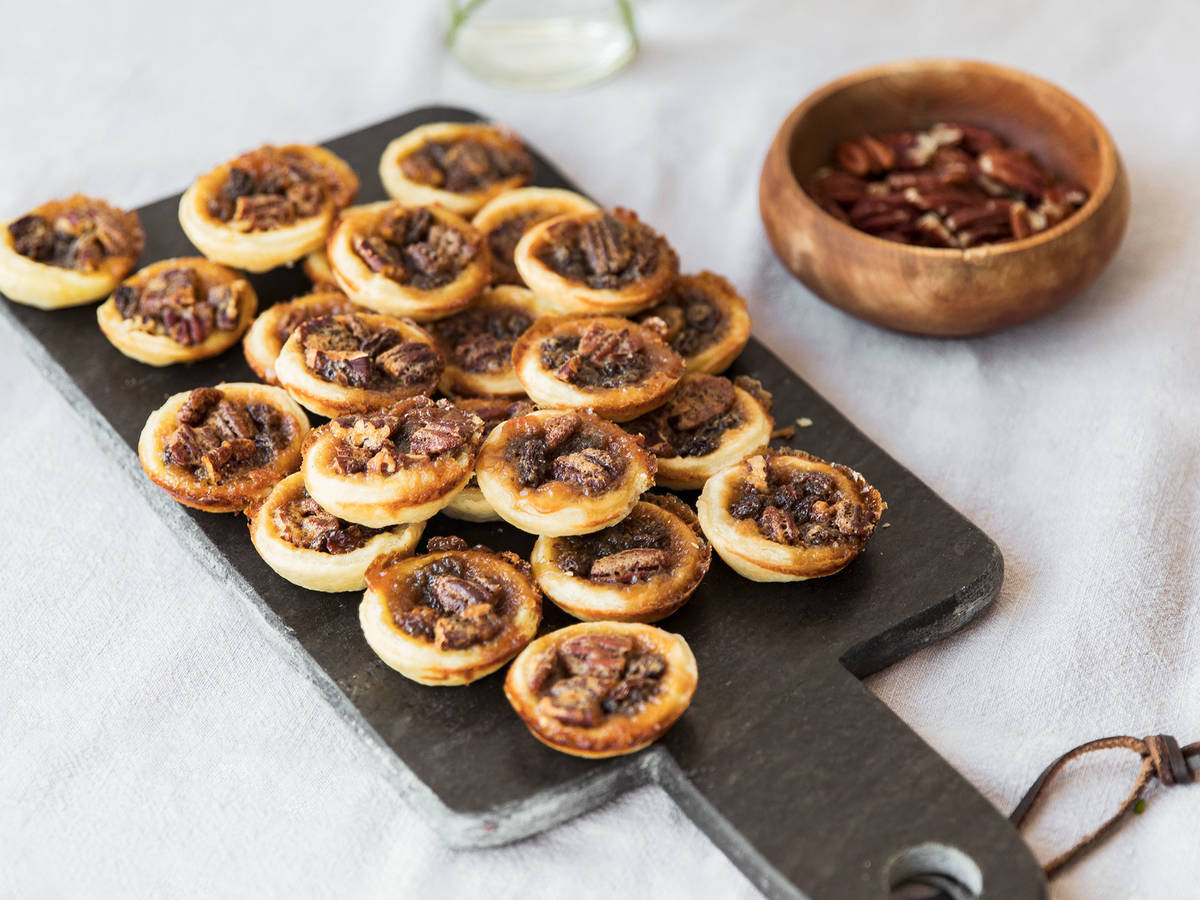 Butter pecan and raisin tartlets