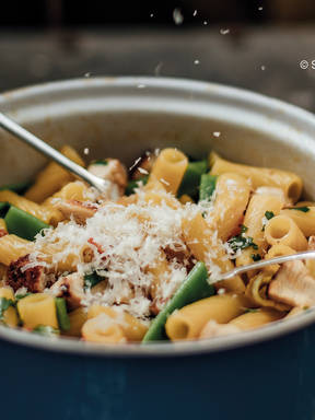 One-pot penne with chicken