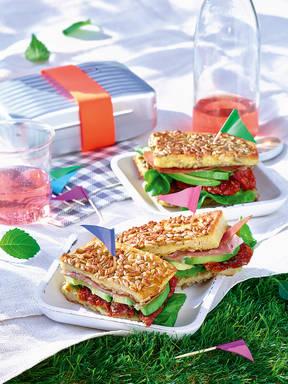 Club-Sandwich mit Sonnenblumenkernen