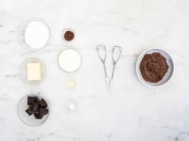 Homemade fudge frosting