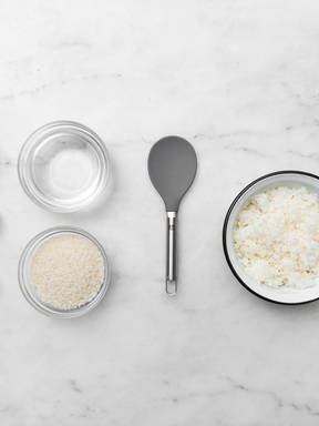 How to prepare rice for making sushi