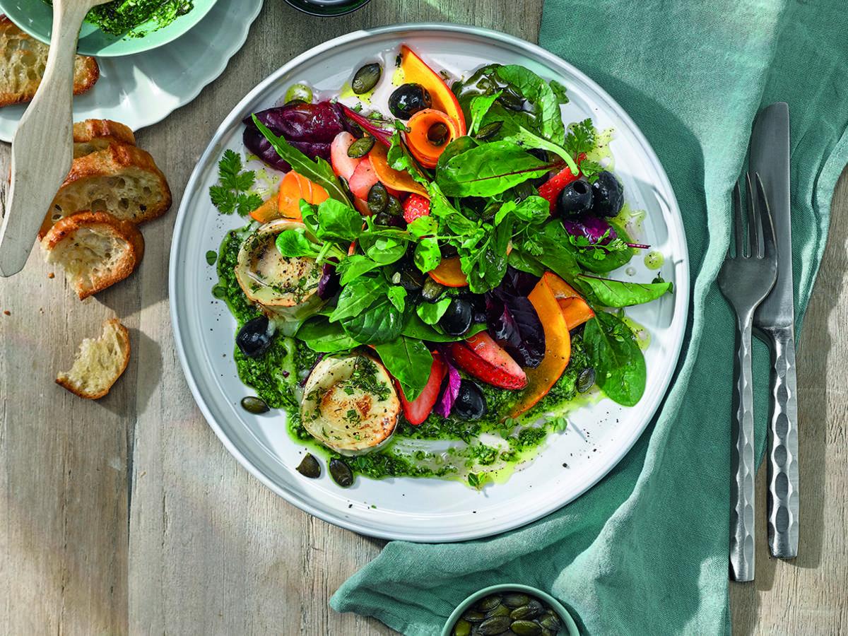 Ziegenkäse-Thymianhonig-Salat mit Kürbiskern-Pesto