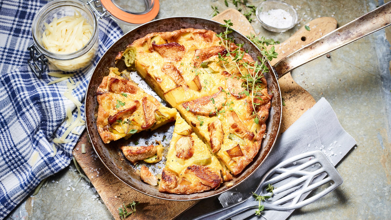 Puten-Kartoffel-Omelett mit Käse und Lauch