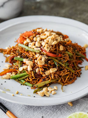 Chinese-style fried noodles