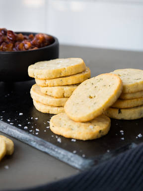 Rosemary slice and bake crackers with chutney