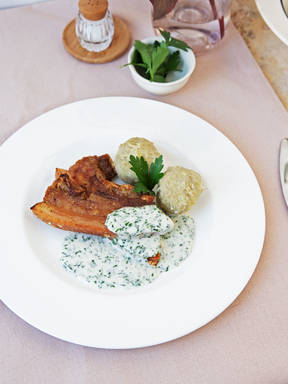 Crispy pork belly with parsley sauce
