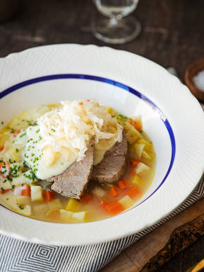 Tafelspitz (Viennese poached veal with horseradish and apple sauce)