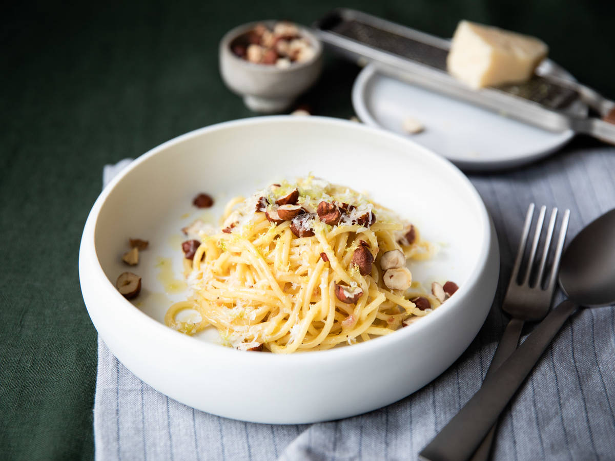 Lemon and hazelnut spaghetti carbonara