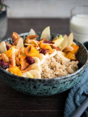 Spiced quinoa porridge with persimmon