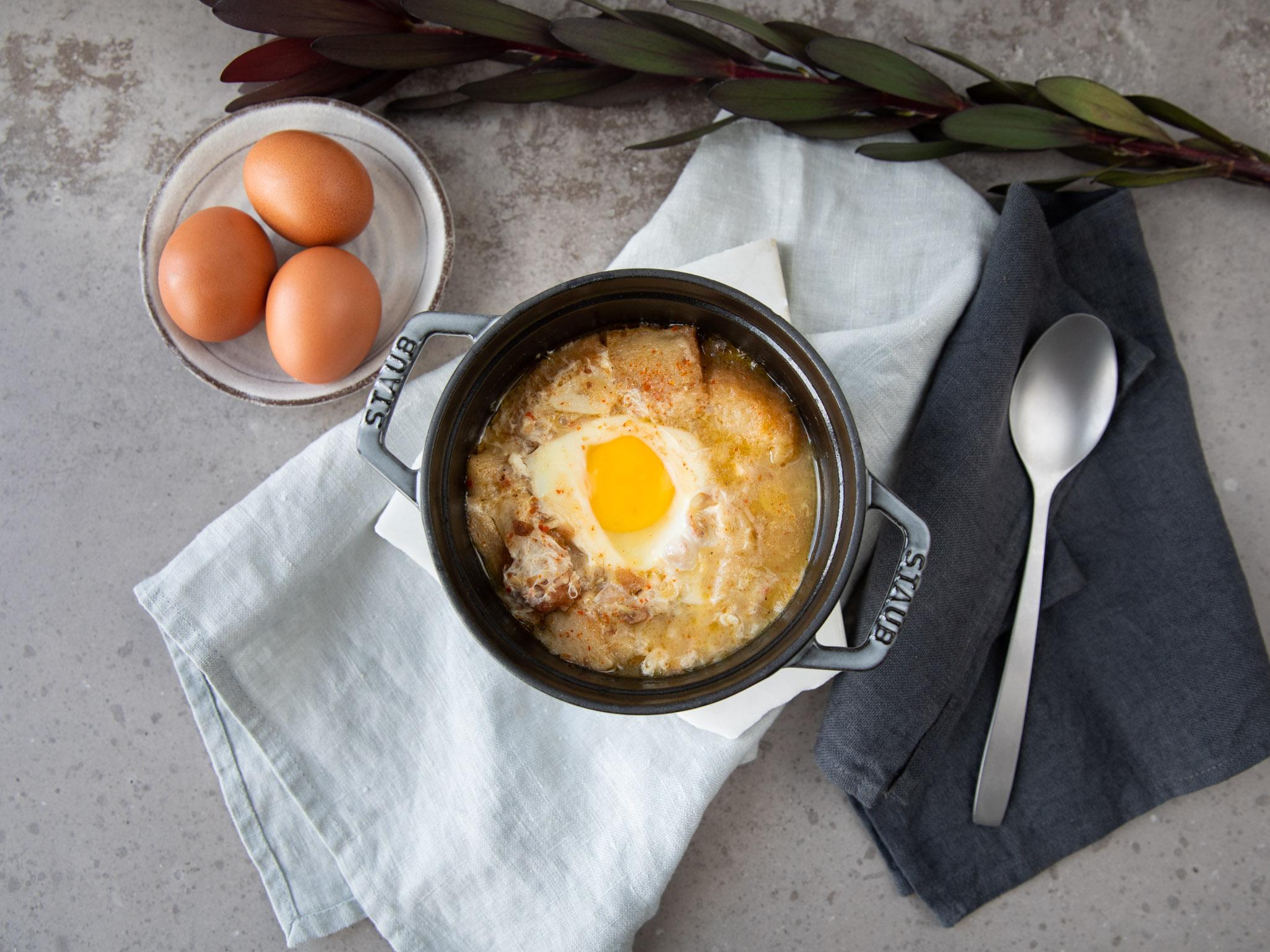 Sopa de Ajo (Spanish garlic soup) | Recipe | Kitchen Stories