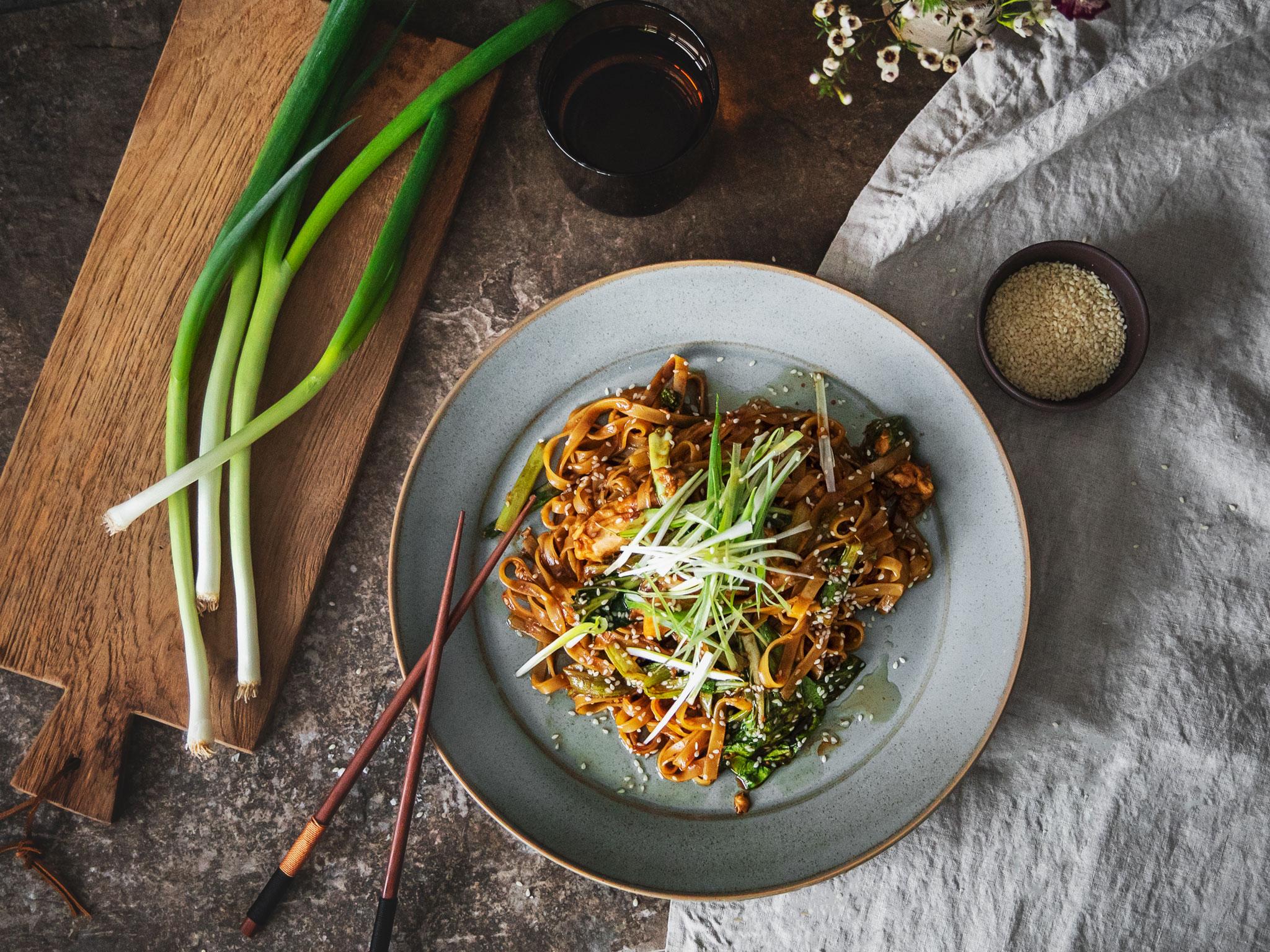 Pad see ew (Thai stir-fried noodles) | Recipe | Kitchen Stories
