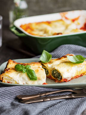 Ricotta and spinach baked cannelloni