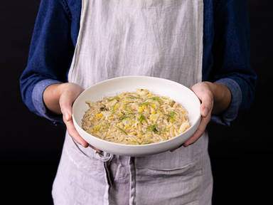 5-ingredient buttery fennel and leek orzo risotto