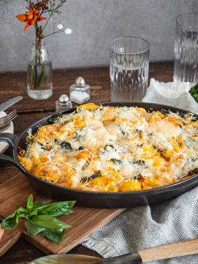 Curried pumpkin pasta bake