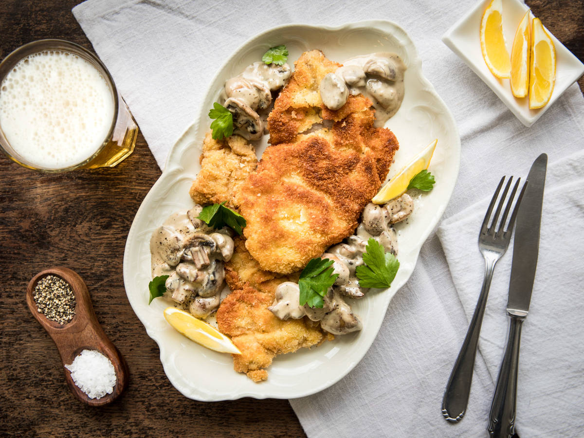 Jägerschnitzel (German schnitzel with mushroom gravy)