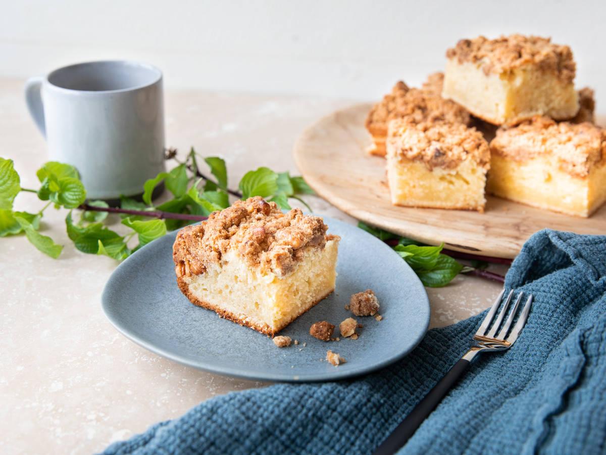 New York-style cinnamon crumb cake