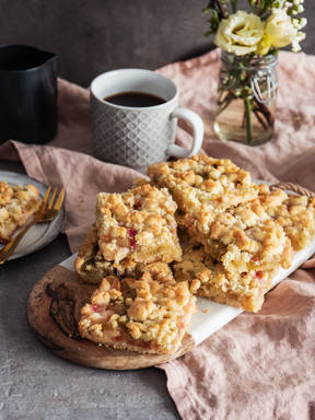 German rhubarb streusel sheet cake