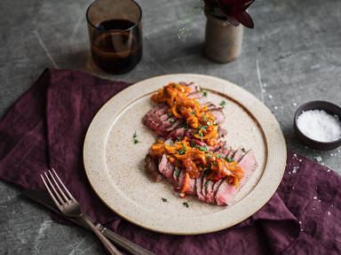 Flanksteak mit Paprika-Aprikosen-Relish