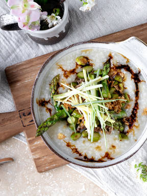 Congee with ground pork and asparagus