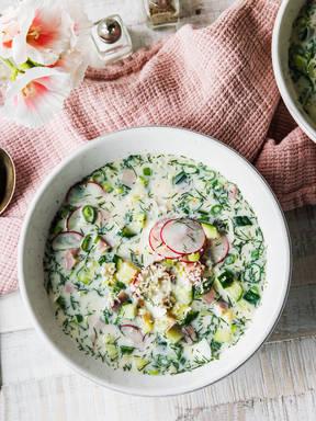 Okroshka (Russische kalte Suppe)