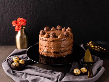 Naked Cake mit Ferrero Rocher