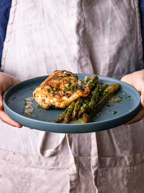 5-ingredient oven-baked chicken breasts with lemon-butter asparagus