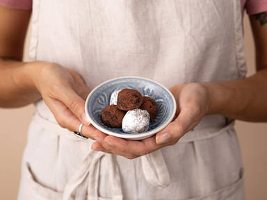 3-ingredient Rumkugeln (Chocolate rum balls)