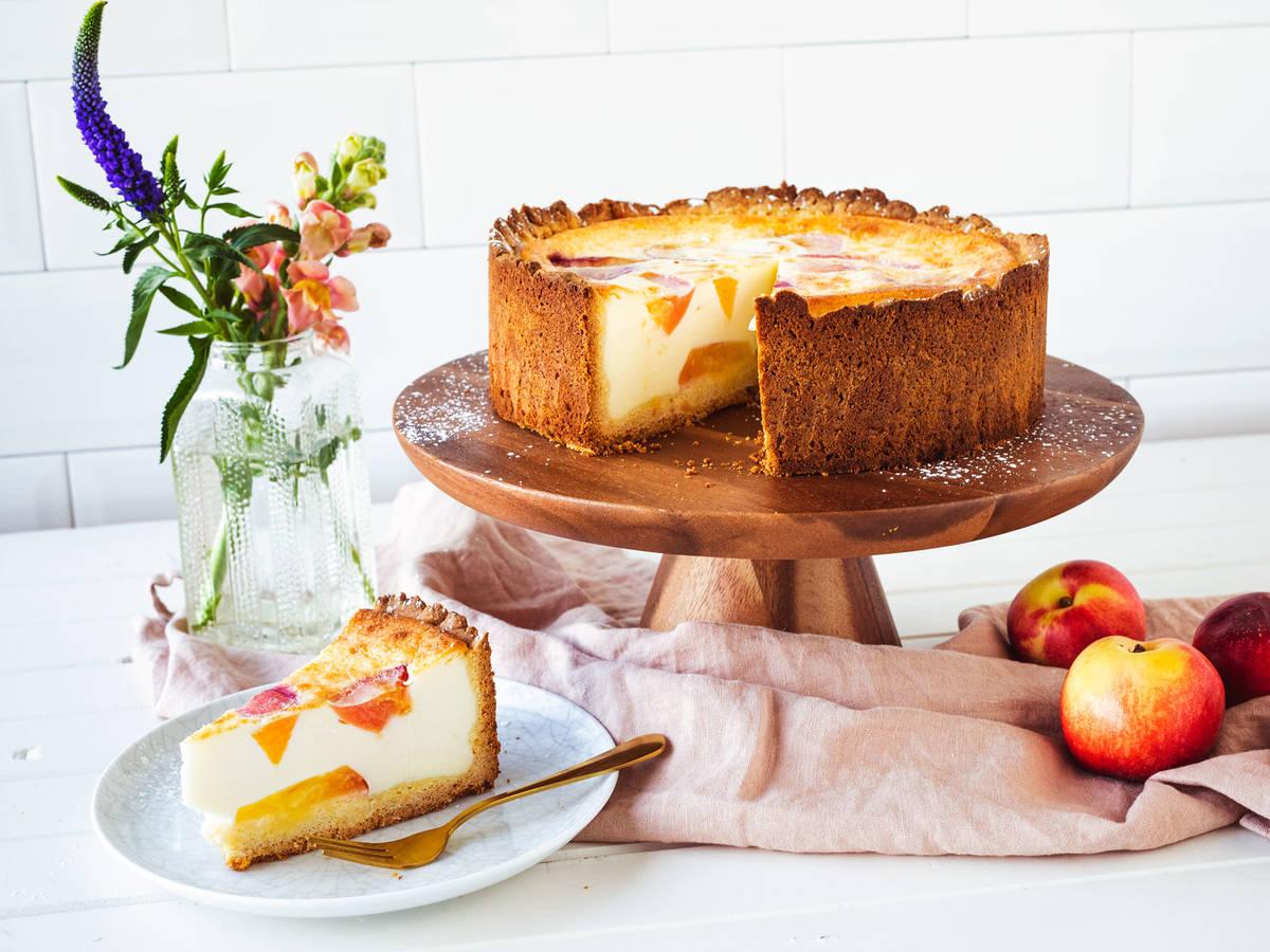 油桃酸奶油蛋糕