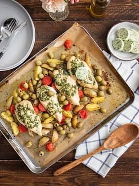 Mediterranes Ofenhähnchen mit Rosmarinkartoffeln vom Blech