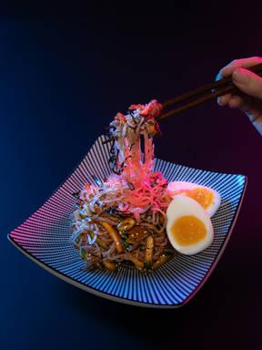 Kimchi shirataki noodles