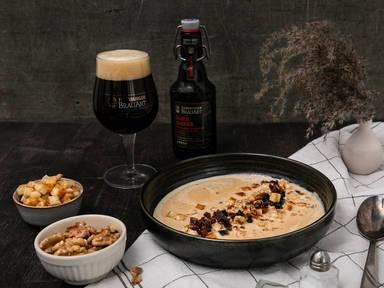 Bier-Käse-Suppe mit Trockenfrüchten