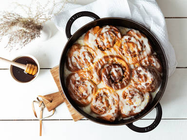 Honey-walnut sweet rolls