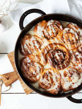 Honey-walnut sweet rolls