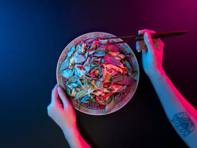 Easy pad kee mao (Thai-style drunken noodles)