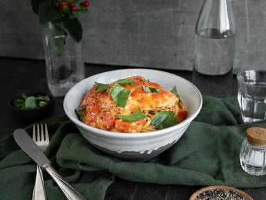 Buttery chicken and tomato pasta